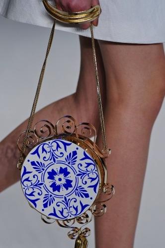 Bolsa com estampa de azulejos Tàca